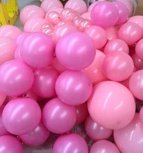 ピンクの風船たち