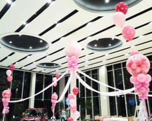 自動車のショールームの空間装飾